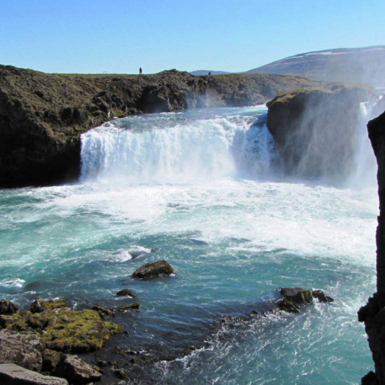 godafoss-waterfall-amazing